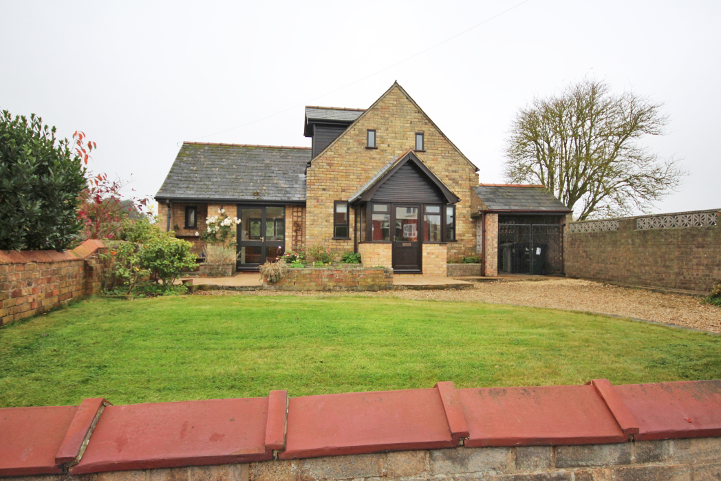 3 Bedrooms Detached House for sale in LOUTH ROAD, FOTHERBY