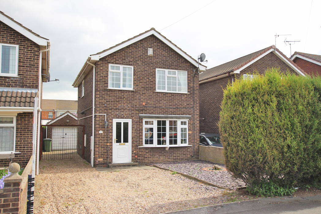 3 Bedrooms Detached House for sale in FERNDOWN DRIVE, IMMINGHAM