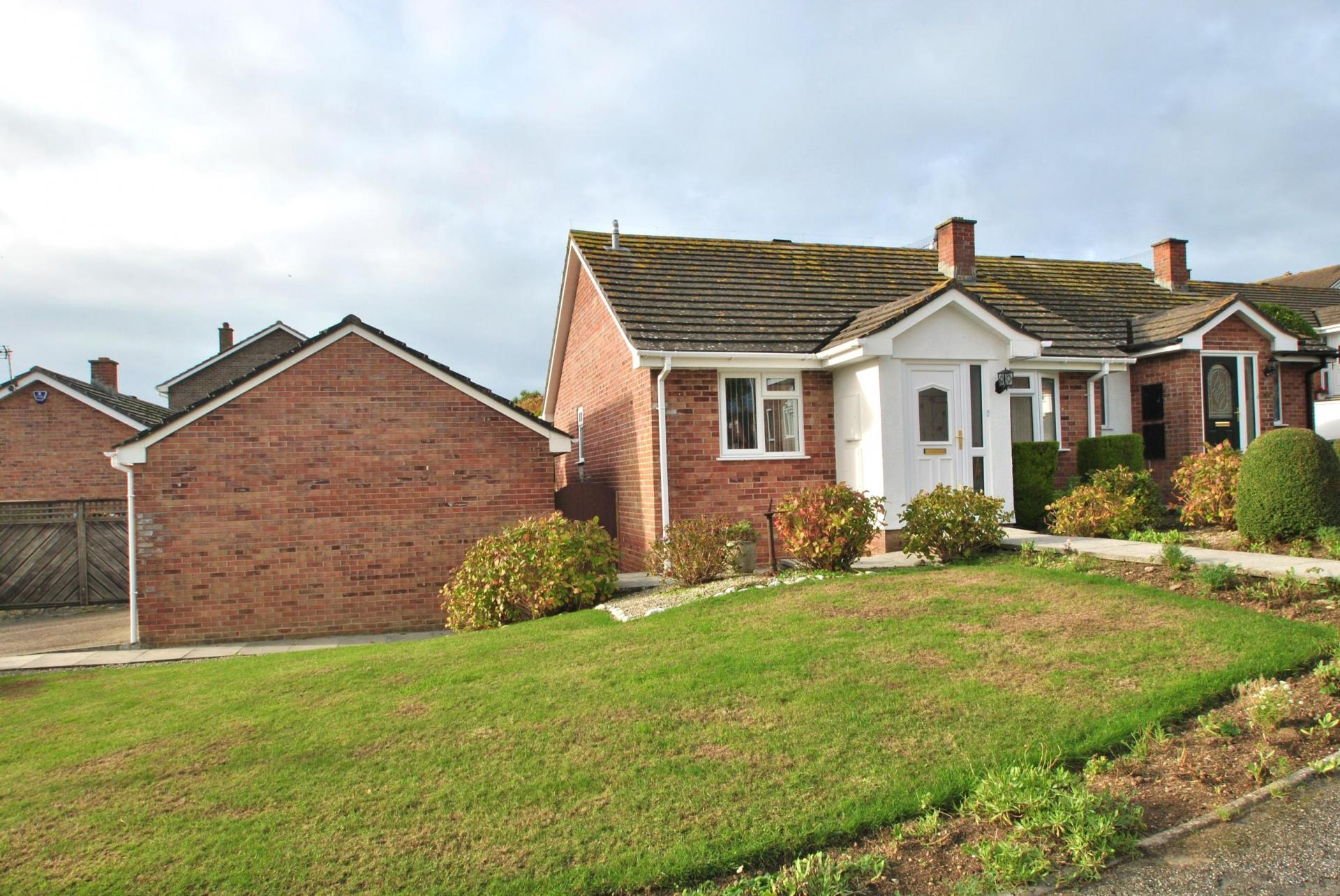 2 bedroom Detached Bungalow for sale in Cornwall