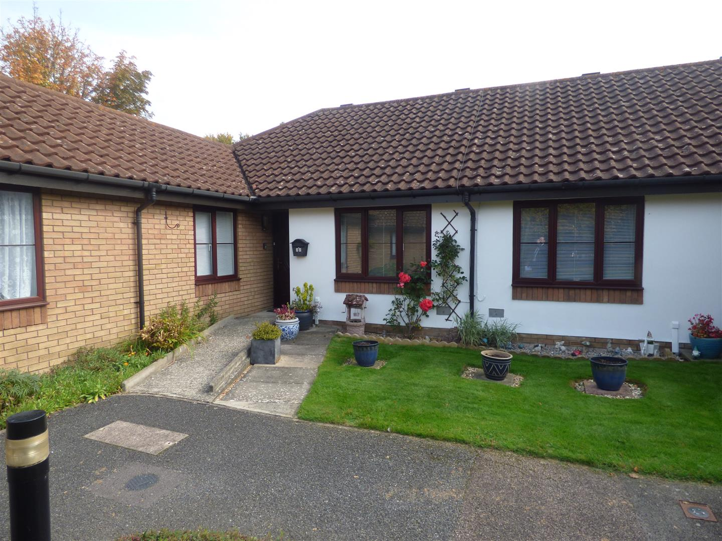 2 Bedrooms Terraced House for sale in Meridian Court, Singleton, Ashford