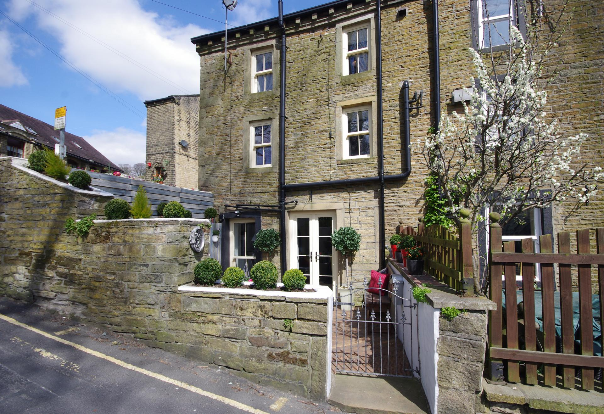 Ripponden Pubs Restaurants