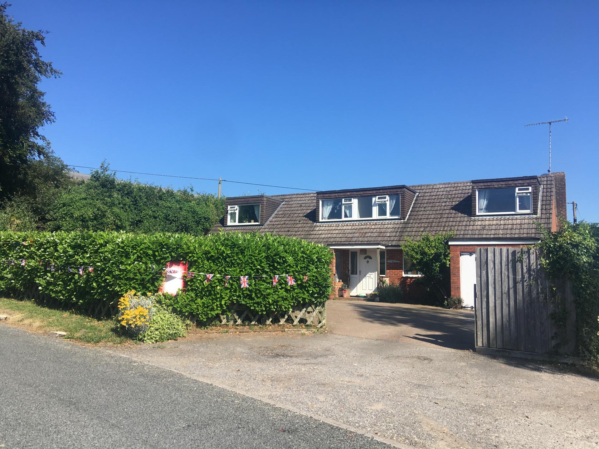 5 Bedrooms Detached House for sale in West Dean, Salisbury