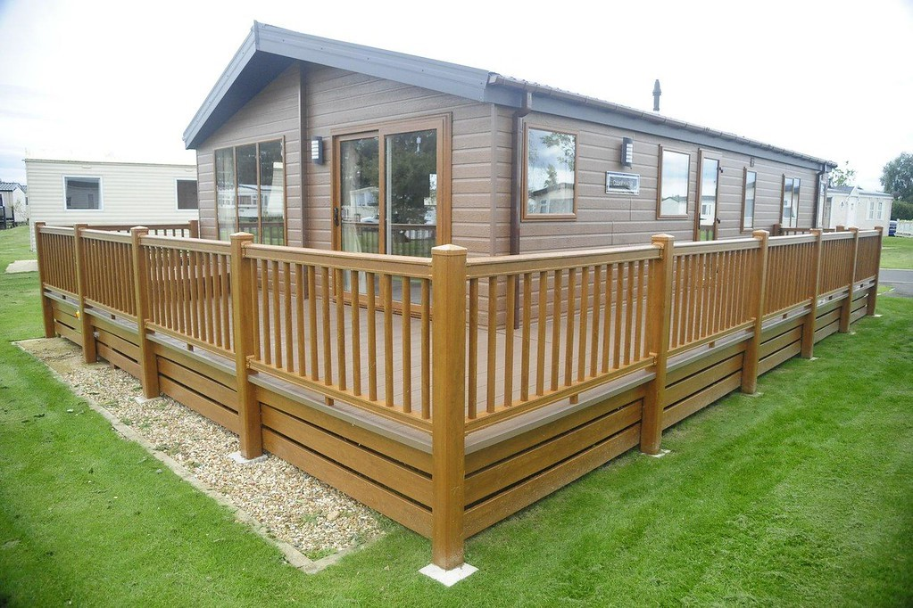3 Bedrooms Bungalow for sale in TATTERSHALL LAKES, TATTERSHALL