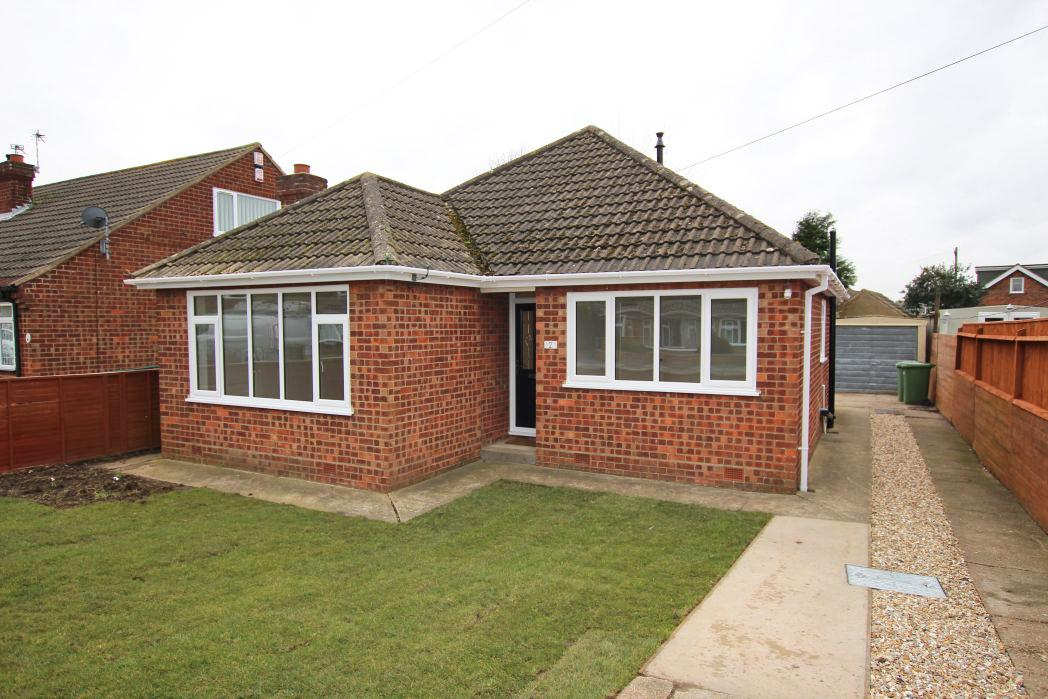 3 Bedrooms Bungalow for sale in LAVENHAM ROAD, SCARTHO
