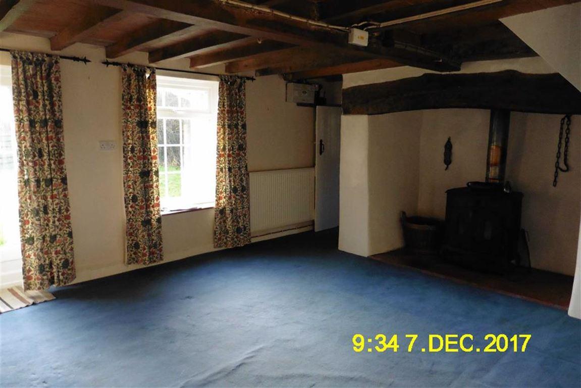 Property To Rent Llanfair Caereinion