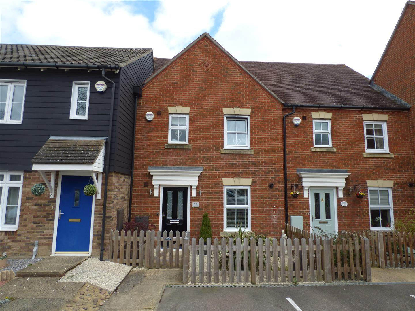 3 Bedrooms Terraced House for rent in Stowell Close, Singleton, Ashford